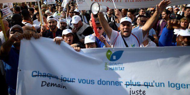 Manifestation contre le projet de loi du gouvernement devant réduire les aides au logement, le 16 octobre...