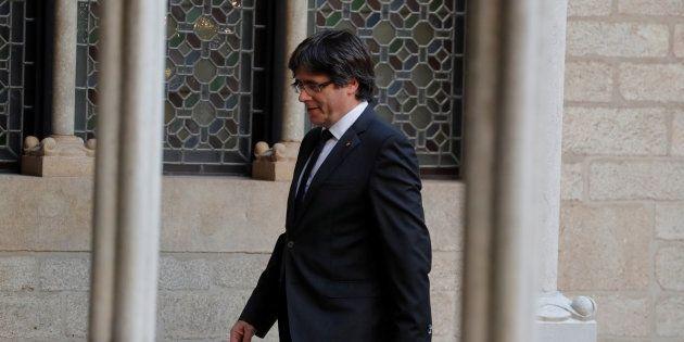 Catalogne: Carles Puigdemont et quatre de ses conseillers se rendent à la justice