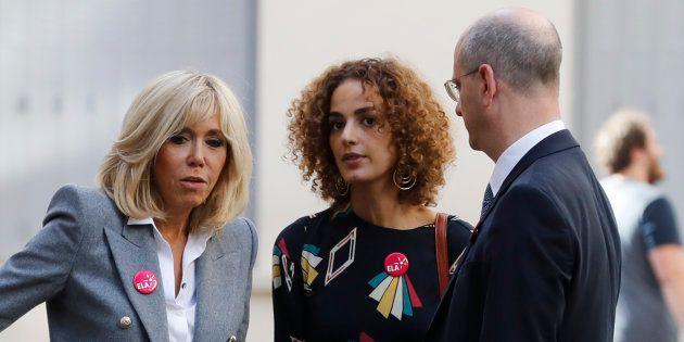 L'écrivaine franco-marocaine Leïla Slimani, aux côtés de la première dame Brigitte Macron et du ministre...
