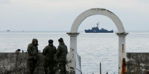 Les recherches se poursuivent pour retrouver l'épave de l'avion militaire russe qui s'est écrasé en mer...