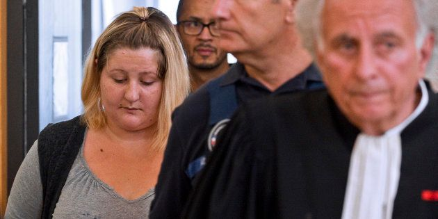 Cécile Bourgeon, la mère de la petite Fiona, à son arrivée au tribunal de Riom le 5 septembre
