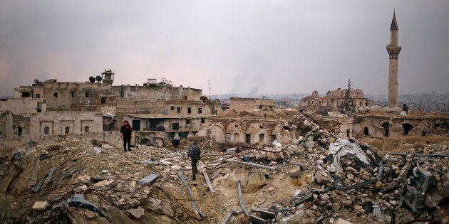 Les forces de Bachar al-Assad à Alep, le 17 décembre 2016. REUTERS/Omar
