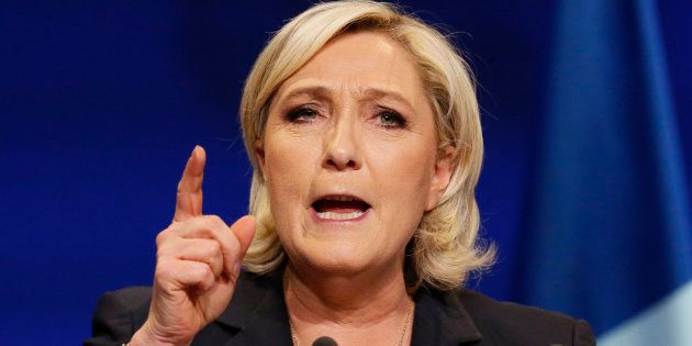Pourquoi le programme de Marine Le Pen est irréalisable si ce n'est par la voie du coup