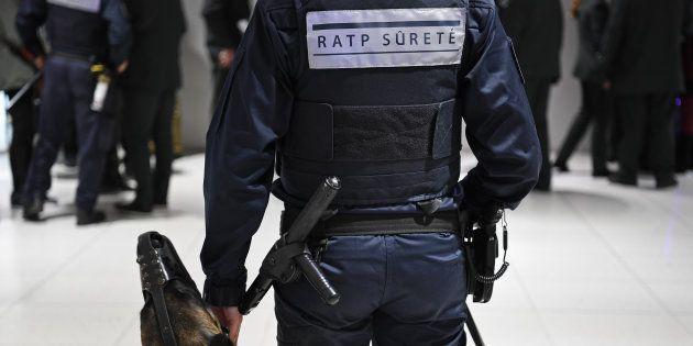 Un agent de sûreté RATP dans le métro