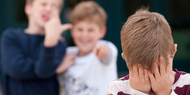 La solution contre le harcèlement scolaire passe par l'estime de soi, voici comment la retrouver