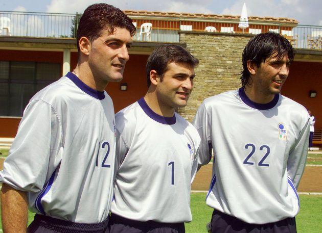 Giancarlo Pagliuca, Angelo Peruzzi et Gianluigi Buffon avant la Coupe du monde 1998 en