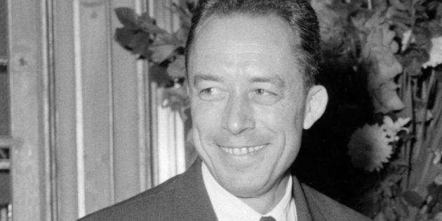 Albert Camus, le 17 octobre 1957, apprenant qu'il vient d'obtenir le Prix Nobel de Littérature / AFP...