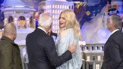 Nicole Kidman a inauguré les vitrines de Noël du Printemps (avec plus d'enthousiasme qu'Uma