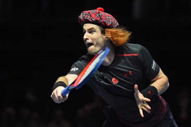 En kilt, Roger Federer n'est pas mauvais face à Andy