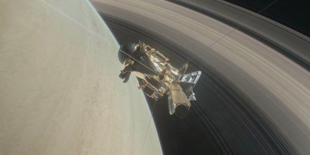La sonde Cassini débute son grand plongeon entre Saturne et ses