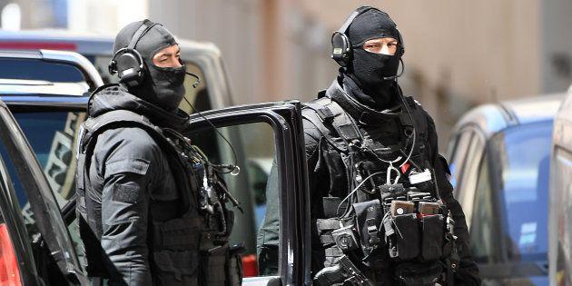 Des membres du RAID à Marseille le 18 avril (Photo