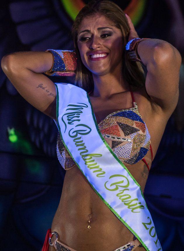 """Rosie Oliveira , lauréate du concours """"Miss BumBum 2017"""""""