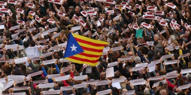 La déclaration d'indépendance de la Catalogne annulée par la cour constitutionnelle