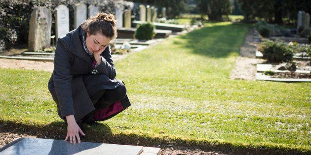 De l'obscurité à la lumière, voici comment j'ai survécu au suicide de ma soeur.