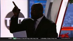 Shaquille O'Neal détruit en direct un projecteur qui