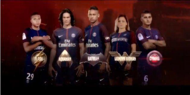 Le trio d'attaque Neymar Jr, Cavani et Mbappé accompagné du milieu italien Verratti et de la joueuse...