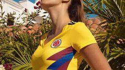 Une miss choisie pour présenter le maillot de la Colombie, les footballeuses