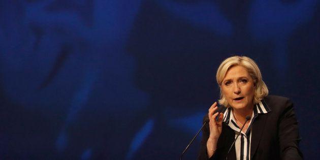 Marine Le Pen, je suis un Insoumis, j'ai entendu votre appel et vous n'aurez jamais mon