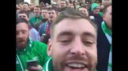 Ces supporters Irlandais sont allés applaudir les clients qui sortaient de chez Victoria's
