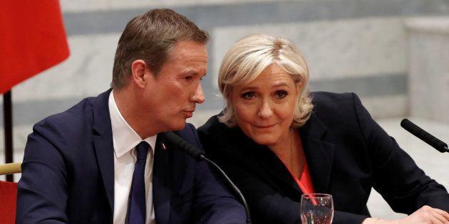 Marine Le Pen et Nicolas Dupont-Aignan en conférence de presse à Paris samedi 29