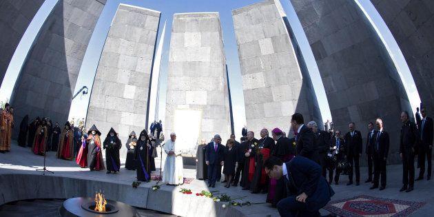 Le Pape François et le Président arménien assistent à une cérémonie de commémoration au mémorial du Génocide...