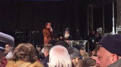 Les Eagles of Death Metal improvisent un concert à Paris en hommage aux victimes du 13