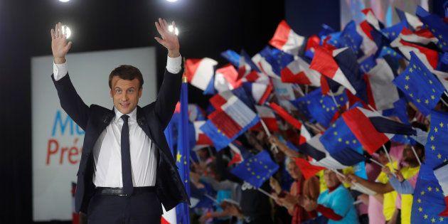 Emmanuel Macron lors de son meeting parisien de l'entre-deux-tours à Paris le 1er mai
