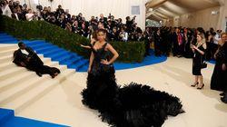Mais pourquoi P. Diddy s'est-il allongé en plein milieu du tapis rouge au Met