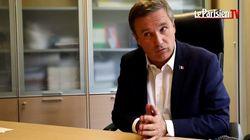 Dupont-Aignan traite ses administrés qui manifestent à Yerres contre son alliance avec Le Pen d'