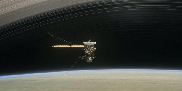 Cassini a trouvé bien plus de vide que prévu entre Saturne et ses