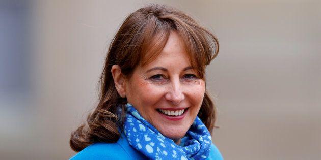 Ségolène Royal signe un arrêté pour améliorer le bien-être des dauphins en parcs