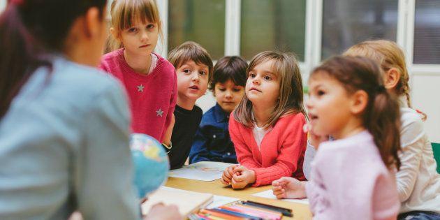 Moi enseignante, je voterai Macron pour défendre l'école publique contre la menace Le