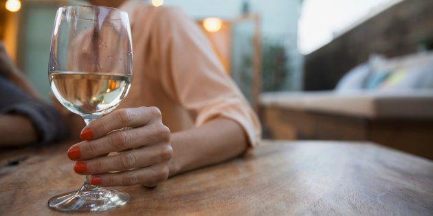Oubliez les trois verres d'alcool par jour, les experts français disent qu'il faut boire beaucoup moins