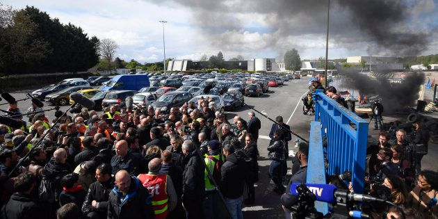 Des salariés de Whirlpool en grève à Amiens le 26 avril