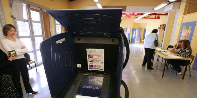 Résultats de l'élection présidentielle 2017: À Issy-les-Moulineaux, le scrutin perturbé par les machines...