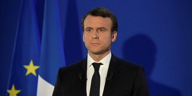 Comment changer de registre sans perdre son naturel? (Emmanuel Macron, le 7 mai