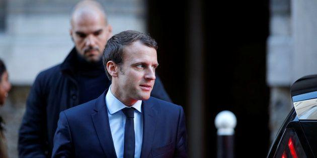 Emmanuel Macron, quittant le siège d'En Marche le 2 mai