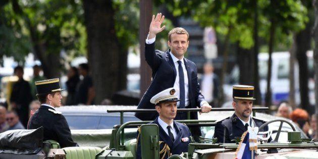 Emmanuel Macron troque la DS pour un véhicule de commandement pour remonter les