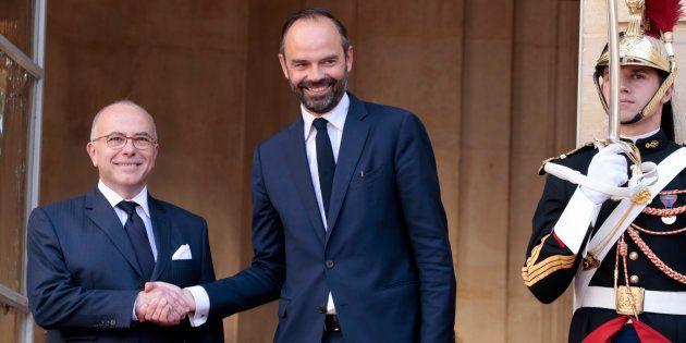 La passation de pouvoir entre Bernard Cazeneuve et Édouard Philippe en