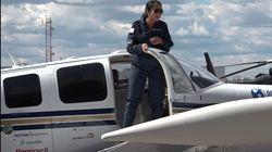 Cette Afghane fait le tour du monde en avion pour sensibiliser les jeunes aux métiers de