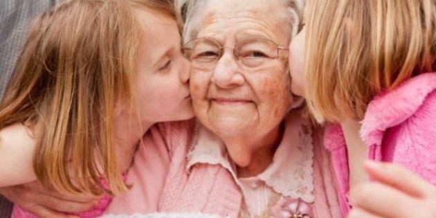 Au Louvre-Lens, les grands-parents apprennent à devenir guides pour leurs