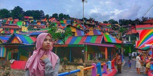 Le village de Kampung Pelangi entièrement repeint aux couleurs de