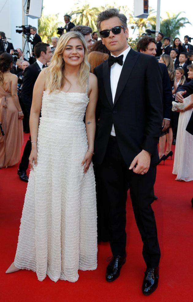 Au festival de Cannes 2017, Benjamin Biolay et Louane ensemble sur le tapis