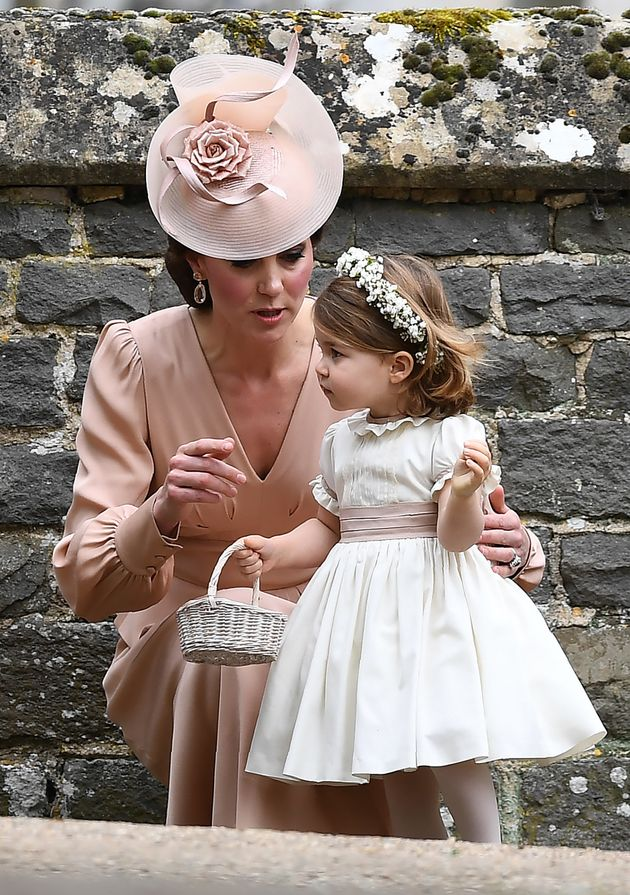 La duchesse de Cambridge, Kate Middleton, et sa fille Charlotte au mariage de Pippa Middleton, le 20
