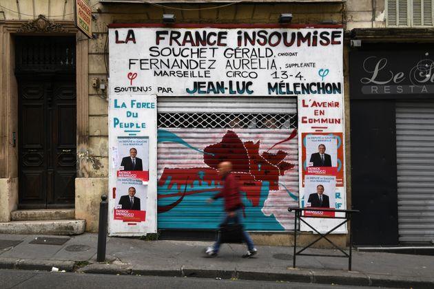 La permanence de La France insoumise de Jean-Luc Mélenchon recouverte d'affiches de Patrick Mennucci,...