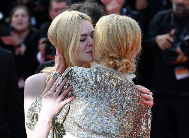 Nicole Kidman et Elle Fanning sur le tapis rouge du Festival de Cannes le 21
