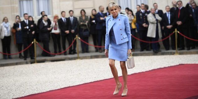 Brigitte Macron lors de la passation de pouvoirs à l'Elysée le 14 mai