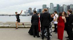Cette incruste de Justin Trudeau sur une photo de bal de promo vaut le