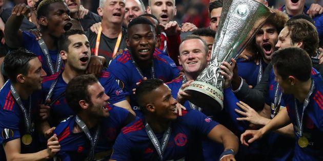 Europa League: face à Ajax, Manchester United vainqueur 48 heures après les attentats dans la