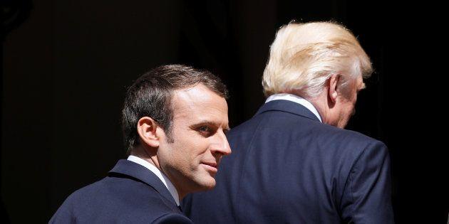 Les premiers mots échangés par Macron et